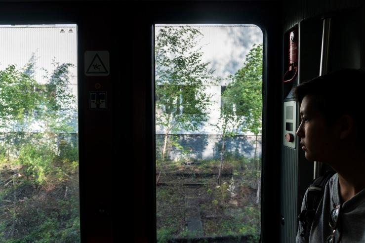 melanie in tram